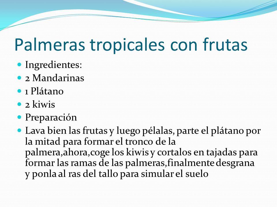 Palmeras tropicales con frutas