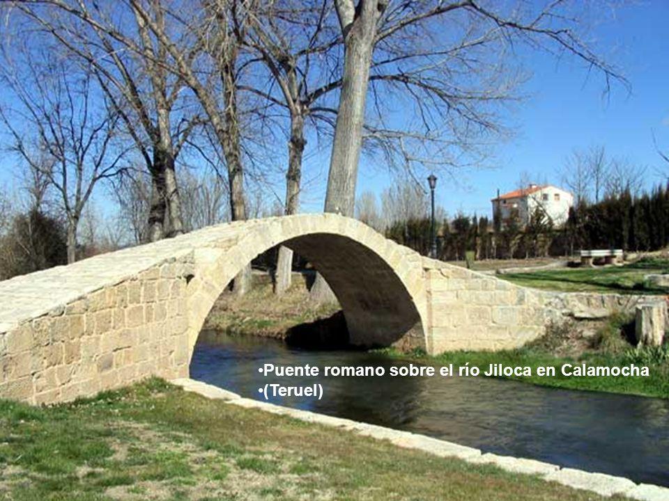 Puente romano sobre el río Jiloca en Calamocha