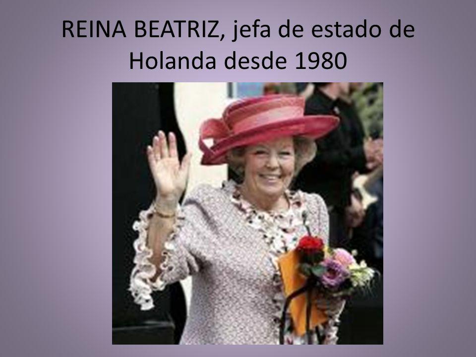 REINA BEATRIZ, jefa de estado de Holanda desde 1980