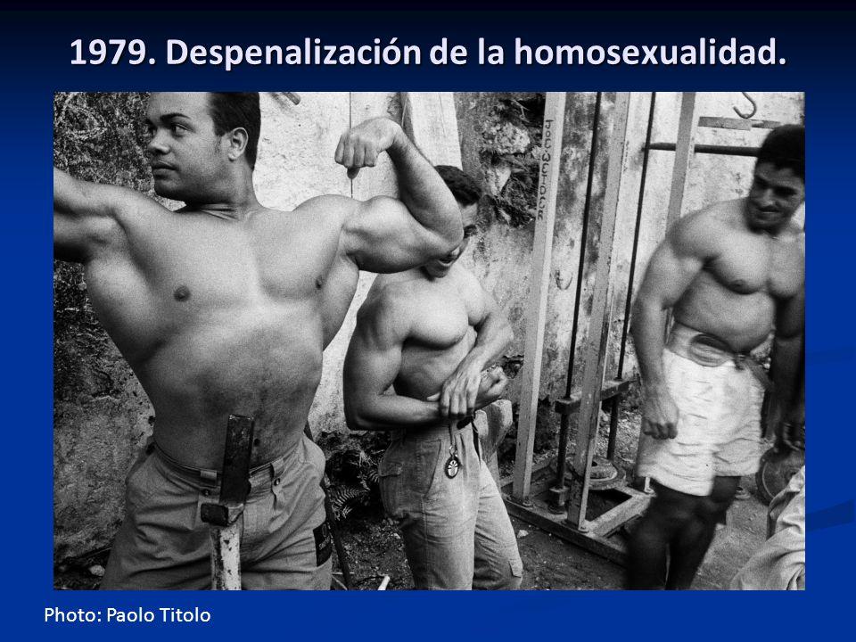 1979. Despenalización de la homosexualidad.