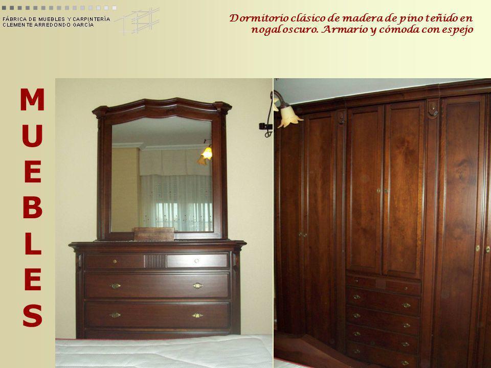 Dormitorio clásico de madera de pino teñido en nogal oscuro