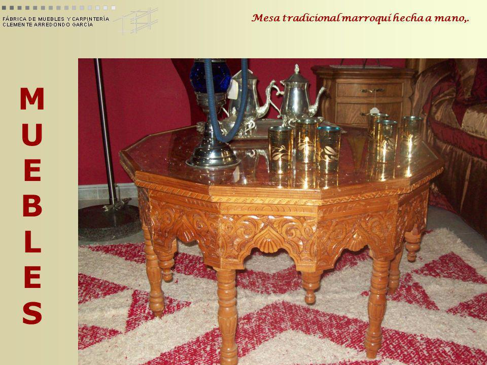 Mesa tradicional marroquí hecha a mano,.
