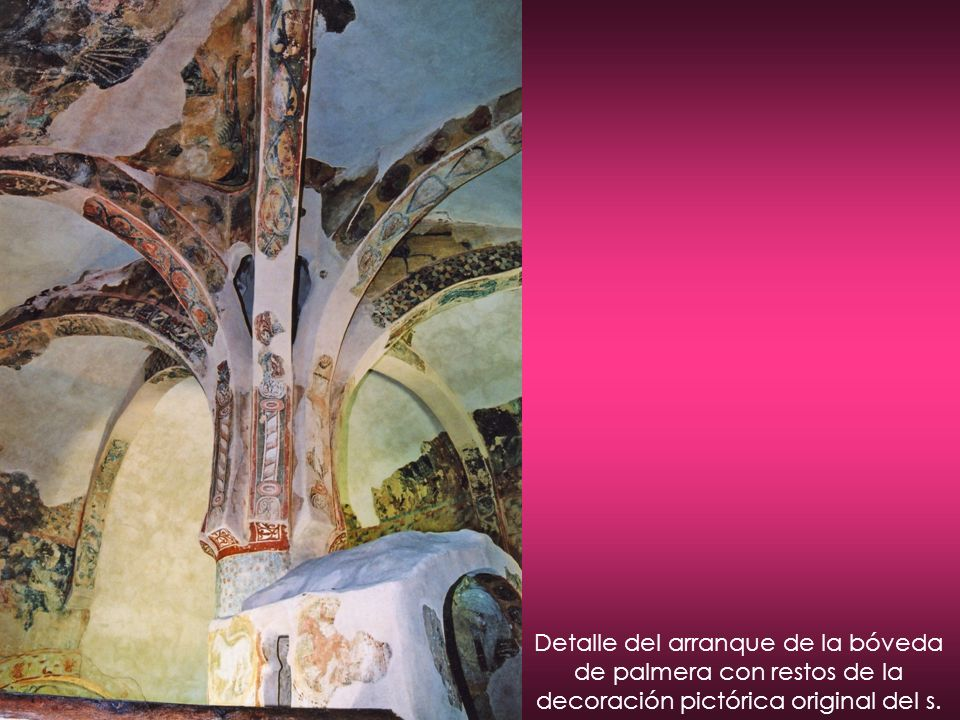 Detalle del arranque de la bóveda de palmera con restos de la decoración pictórica original del s.