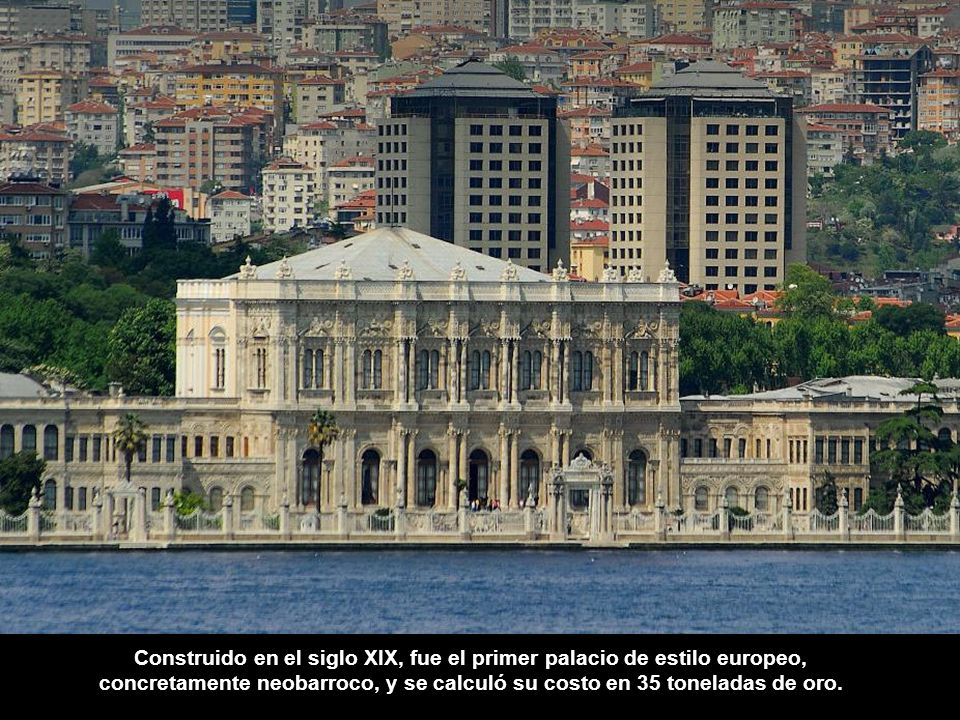 Construido en el siglo XIX, fue el primer palacio de estilo europeo,