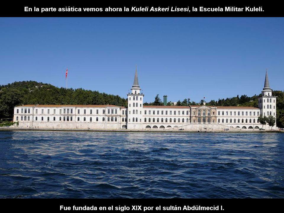Fue fundada en el siglo XIX por el sultán Abdülmecid I.