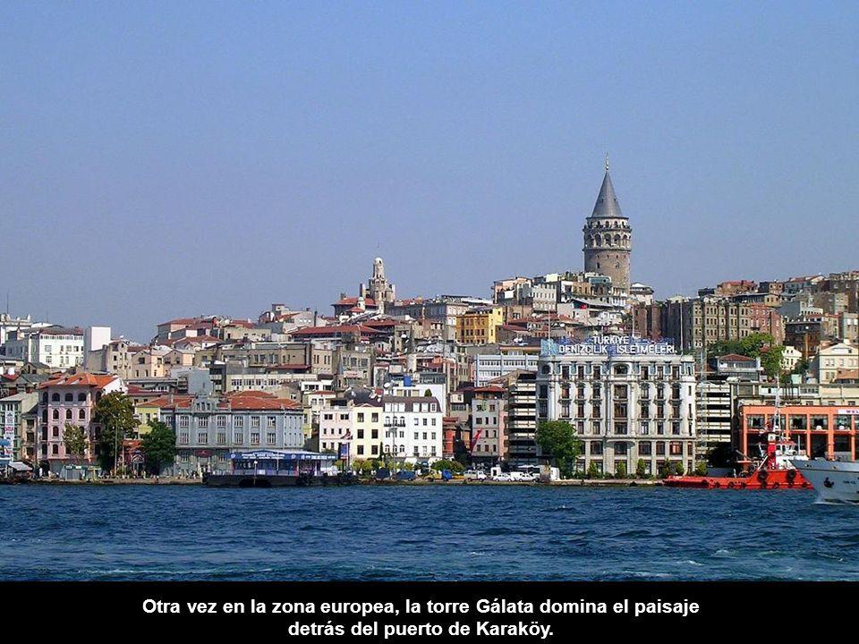Otra vez en la zona europea, la torre Gálata domina el paisaje