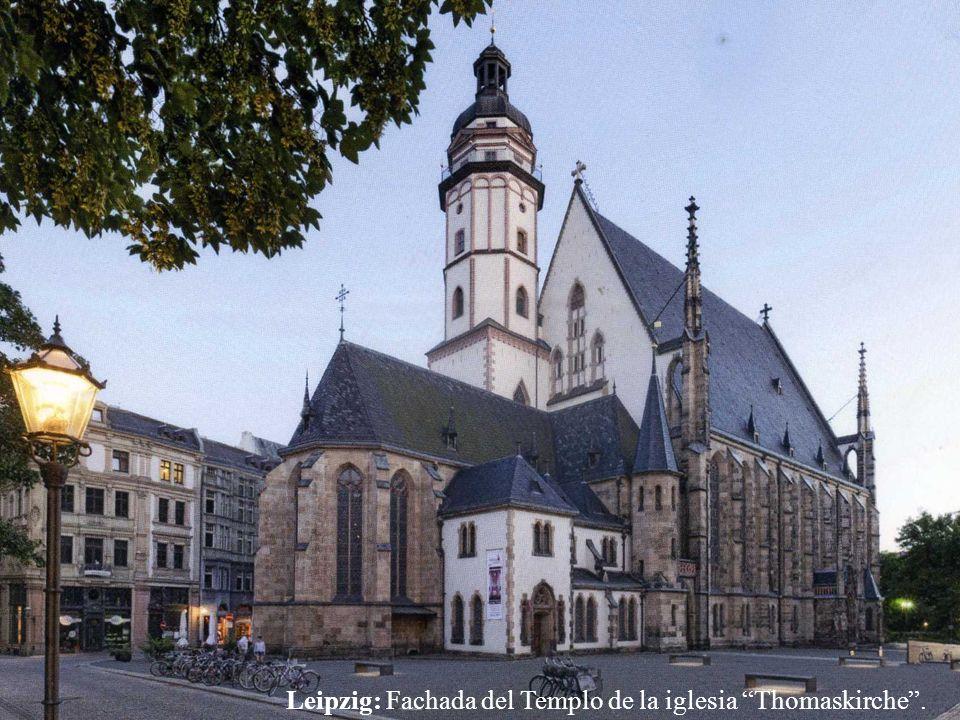 Leipzig: Fachada del Templo de la iglesia Thomaskirche .