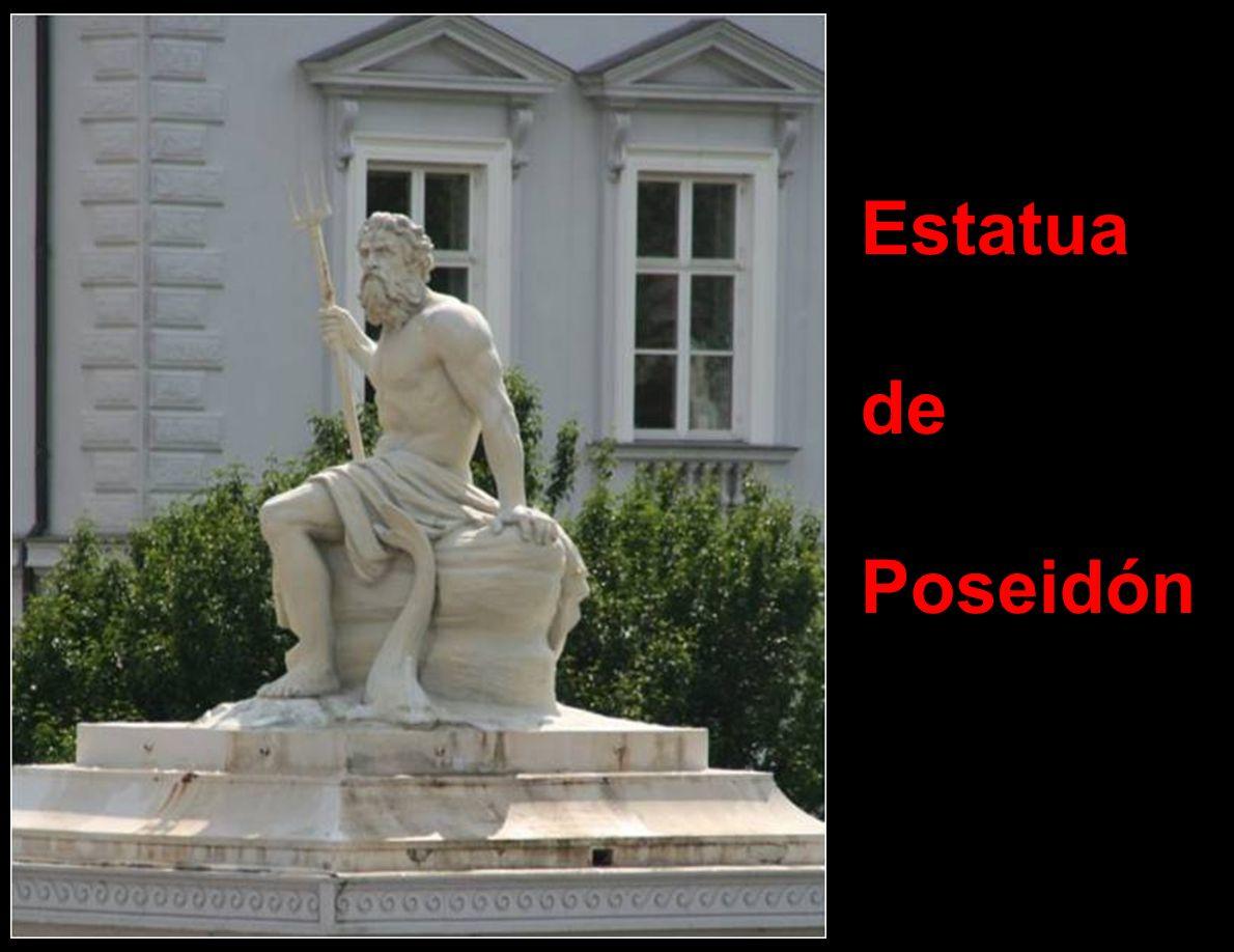 Estatua de Poseidón