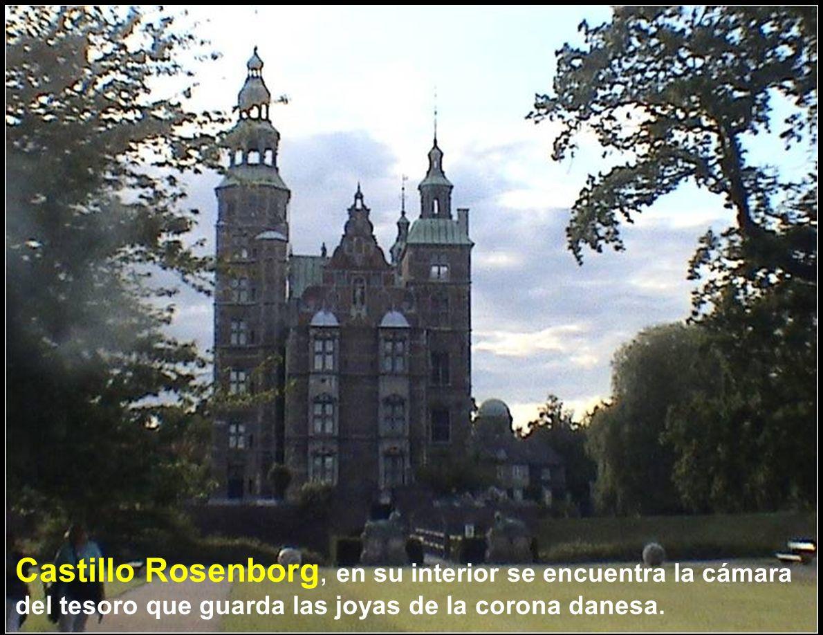 Castillo Rosenborg, en su interior se encuentra la cámara del tesoro que guarda las joyas de la corona danesa.