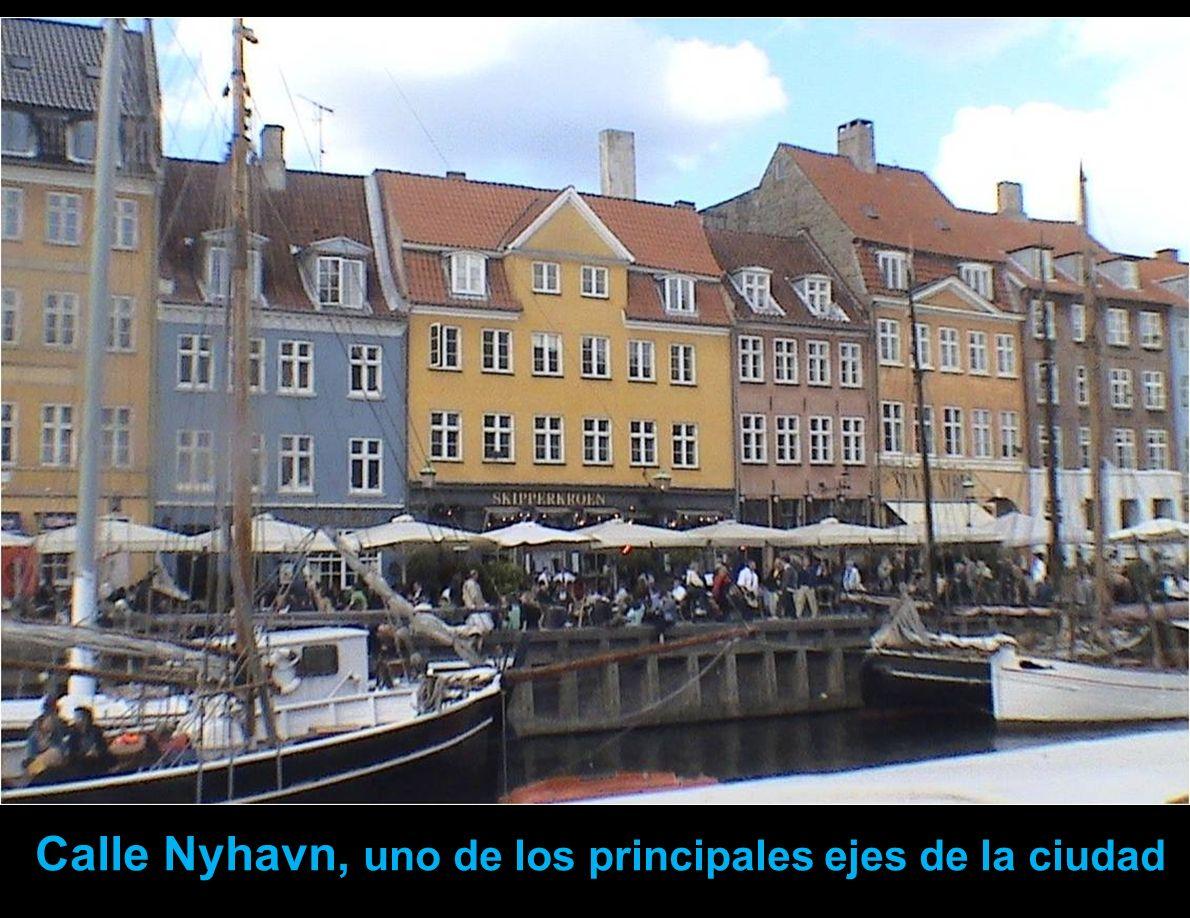 Calle Nyhavn, uno de los principales ejes de la ciudad