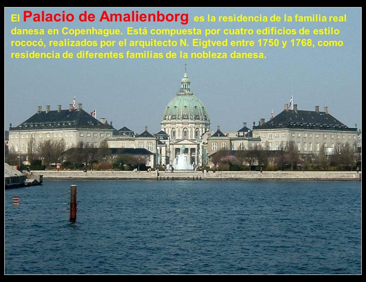 El Palacio de Amalienborg es la residencia de la familia real danesa en Copenhague.