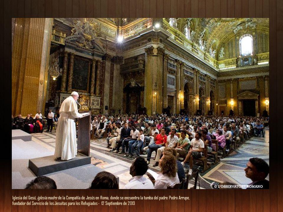Iglesia del Gesú, iglesia madre de la Compañía de Jesús en Roma, donde se encuentra la tumba del padre Pedro Arrupe,