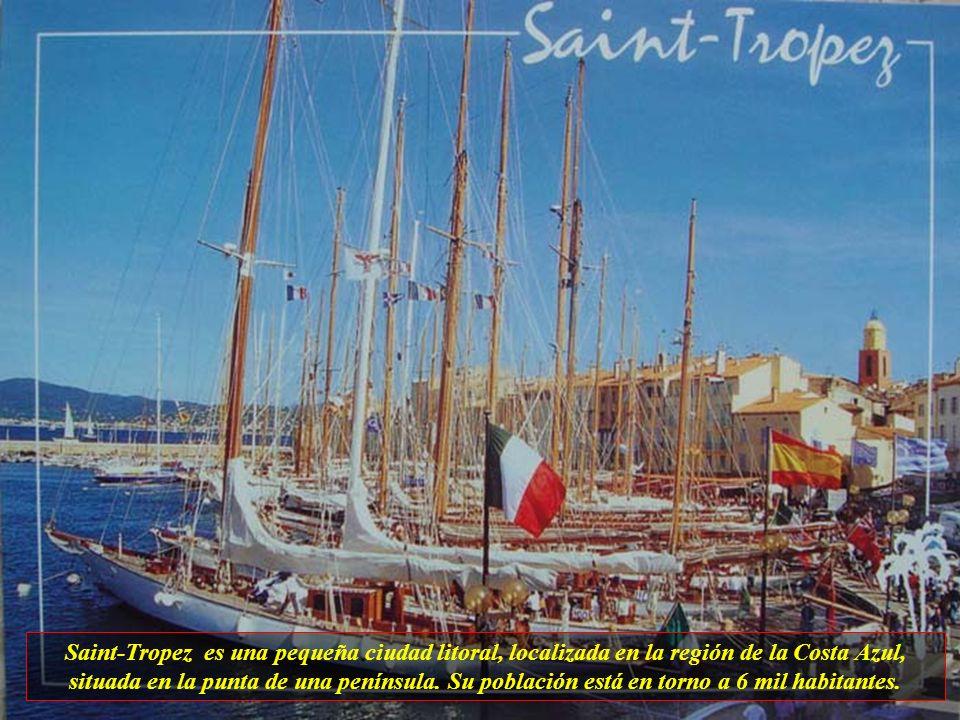 Saint-Tropez es una pequeña ciudad litoral, localizada en la región de la Costa Azul, situada en la punta de una península.