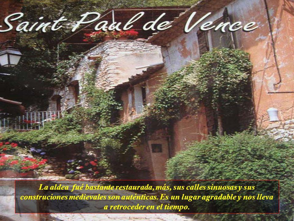 La aldea fué bastante restaurada, más, sus calles sinuosas y sus construciones medievales son auténticas.
