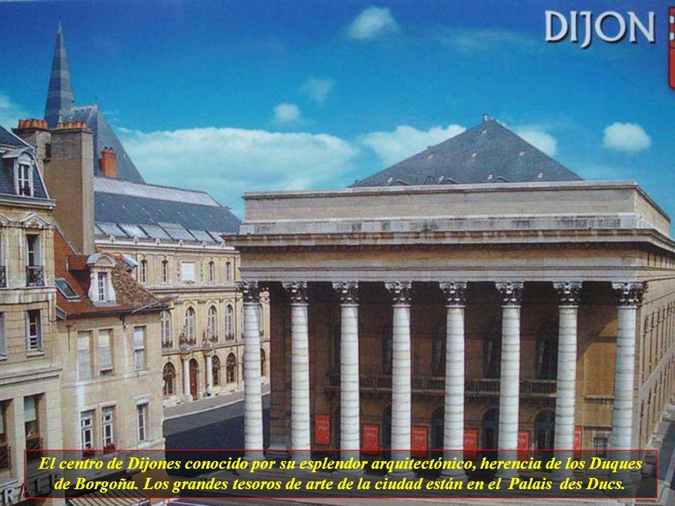 El centro de Dijones conocido por su esplendor arquitectónico, herencia de los Duques de Borgoña.