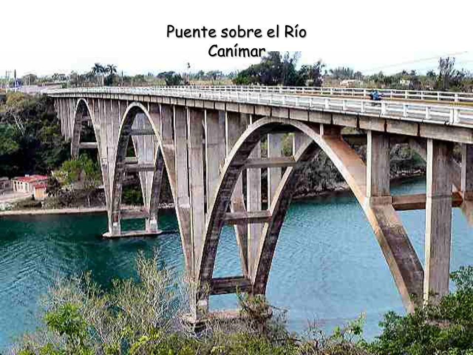 Puente sobre el Río Canímar