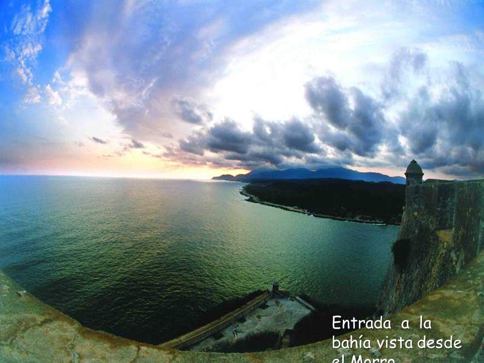 Entrada a la bahía vista desde el Morro