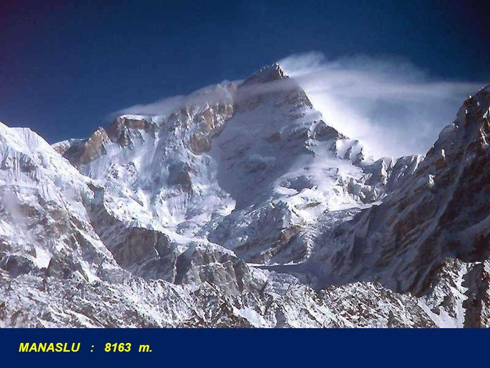 MANASLU : 8163 m.