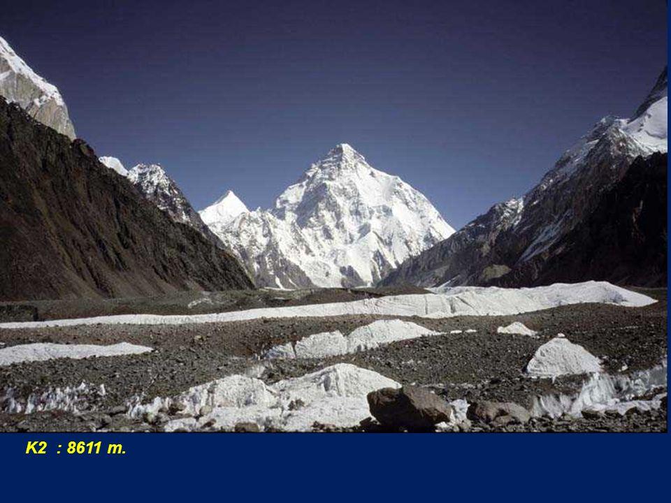 K2 : 8611 m.
