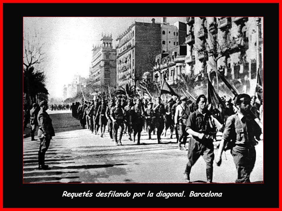 Requetés desfilando por la diagonal. Barcelona