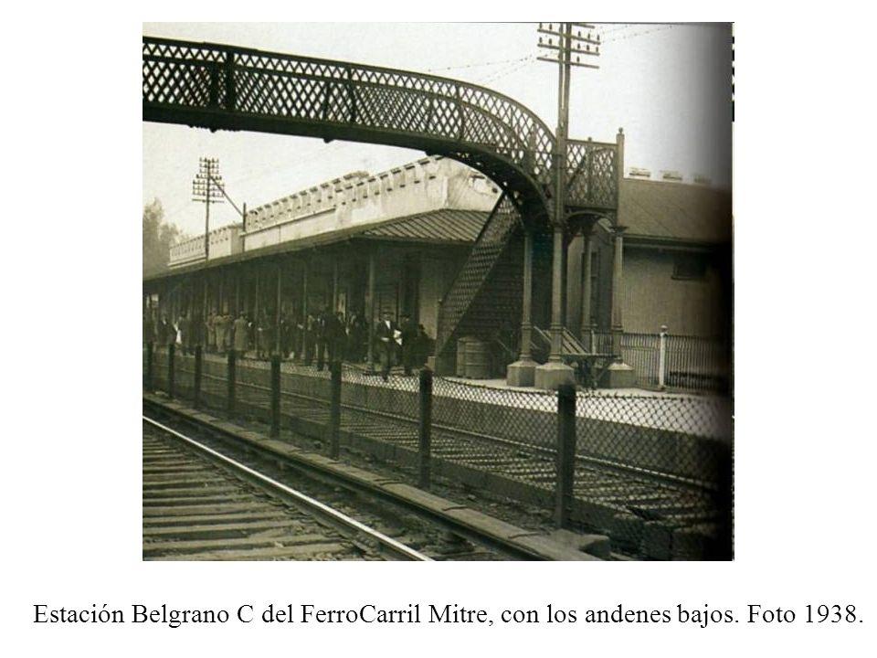 Estación Belgrano C del FerroCarril Mitre, con los andenes bajos
