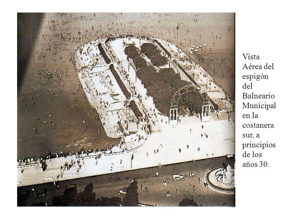 Vista Aérea del espigón del Balneario Municipal en la costanera sur, a principios de los años 30.