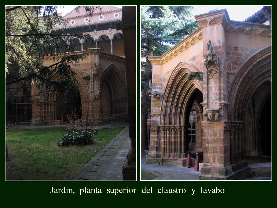 Jardín, planta superior del claustro y lavabo