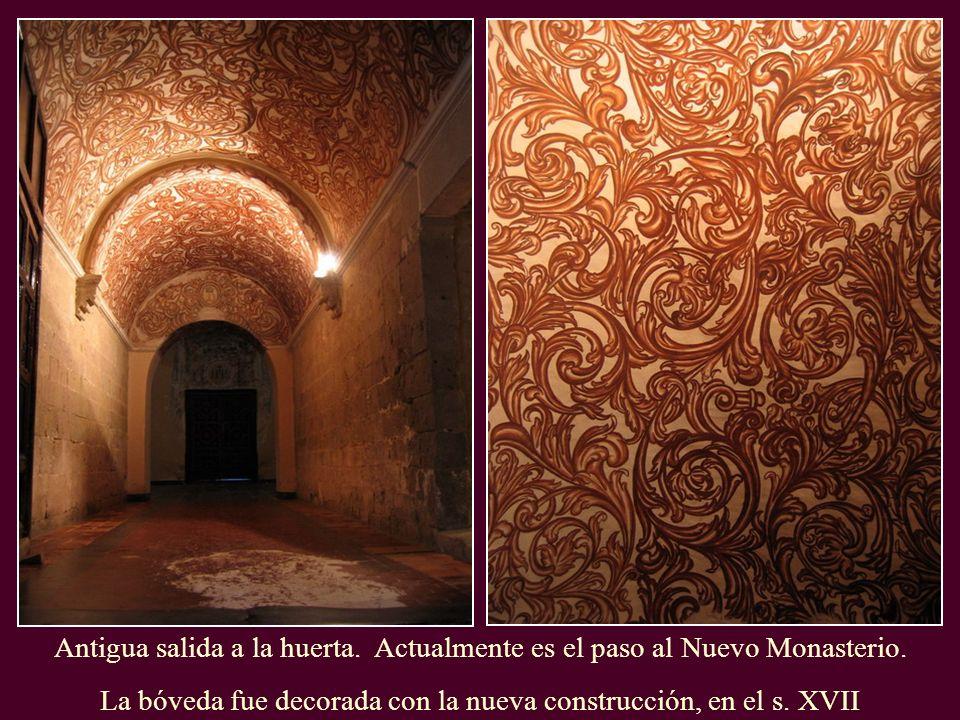 La bóveda fue decorada con la nueva construcción, en el s. XVII