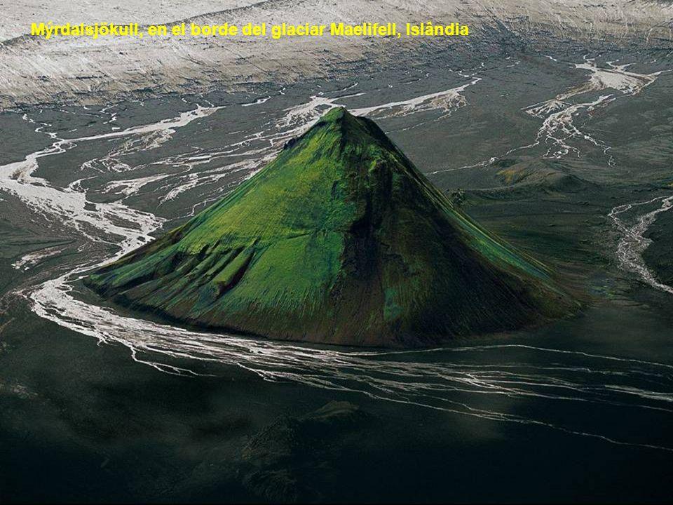 Mýrdalsjökull, en el borde del glaciar Maelifell, Islândia