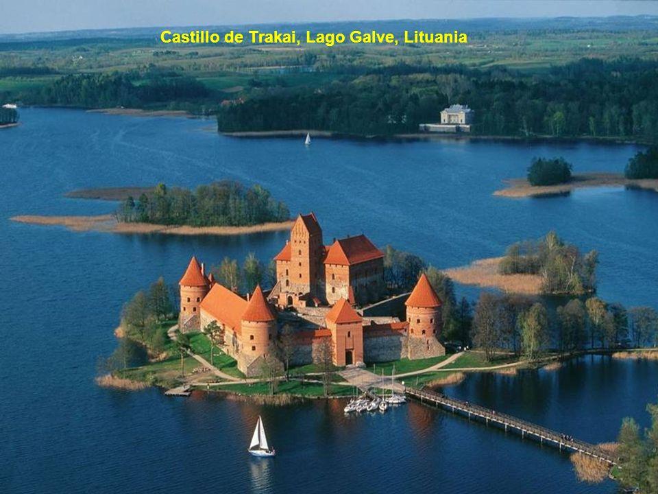 Castillo de Trakai, Lago Galve, Lituania