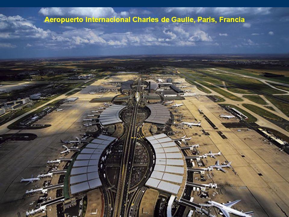 Aeropuerto Internacional Charles de Gaulle, Paris, Francia