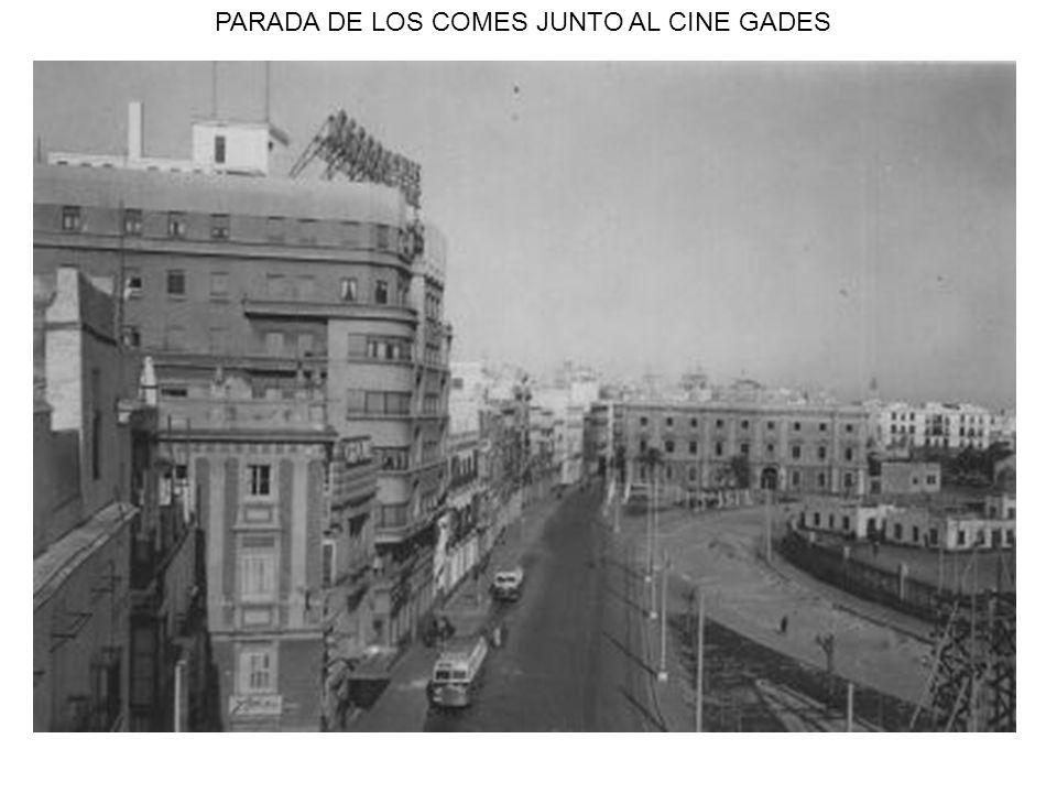 PARADA DE LOS COMES JUNTO AL CINE GADES