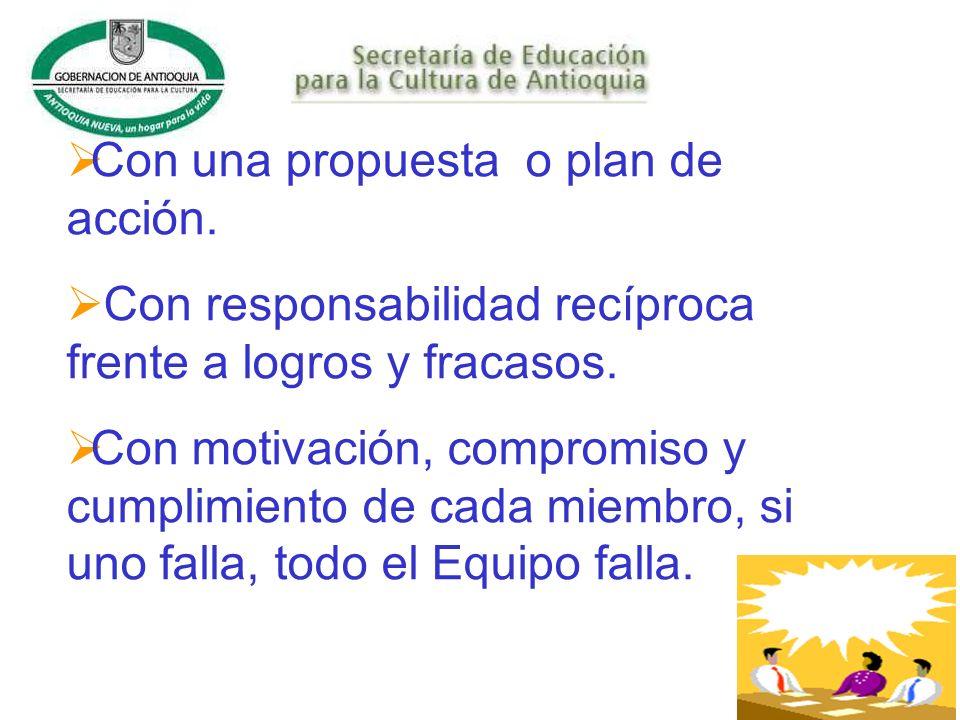 Con una propuesta o plan de acción.