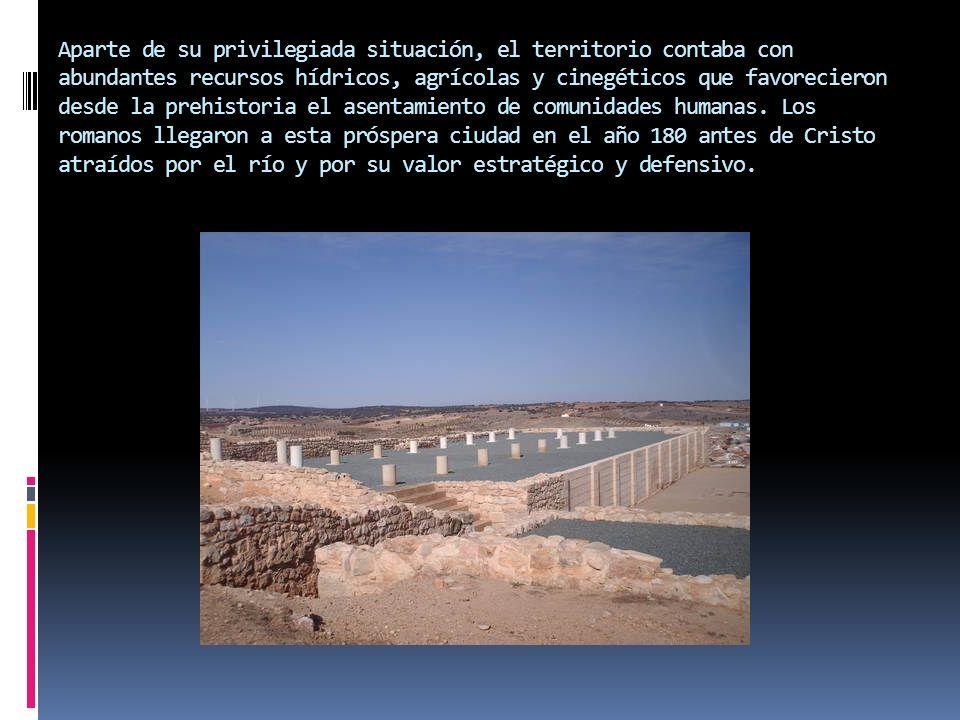 Aparte de su privilegiada situación, el territorio contaba con abundantes recursos hídricos, agrícolas y cinegéticos que favorecieron desde la prehistoria el asentamiento de comunidades humanas.