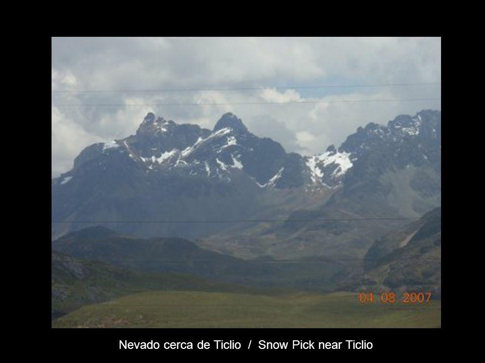 Nevado cerca de Ticlio / Snow Pick near Ticlio