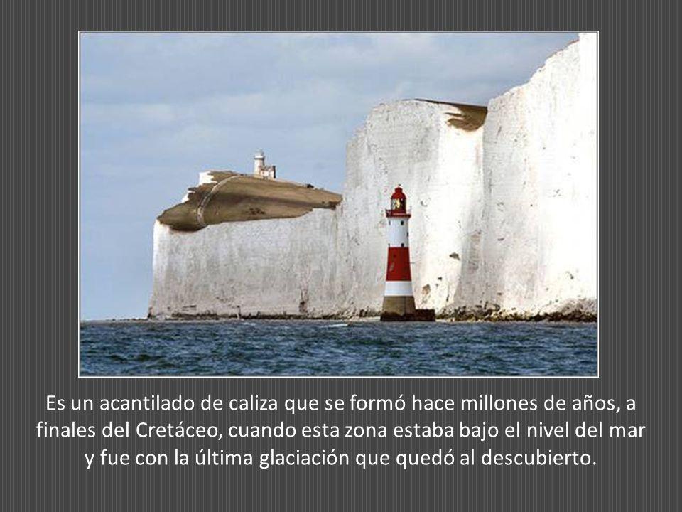 Es un acantilado de caliza que se formó hace millones de años, a finales del Cretáceo, cuando esta zona estaba bajo el nivel del mar y fue con la última glaciación que quedó al descubierto.