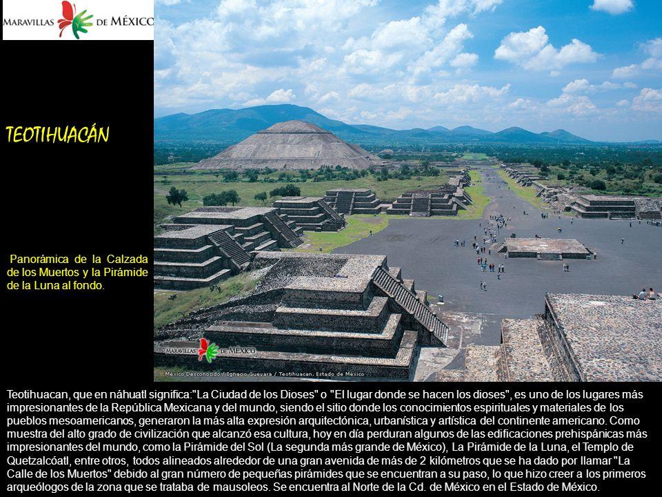 TEOTIHUACÁN Panorámica de la Calzada de los Muertos y la Pirámide de la Luna al fondo.