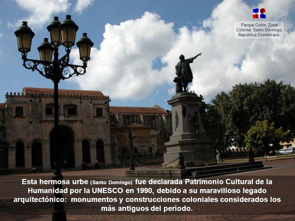 Parque Colón. Zona Colonial. Santo Domingo, República Dominicana.