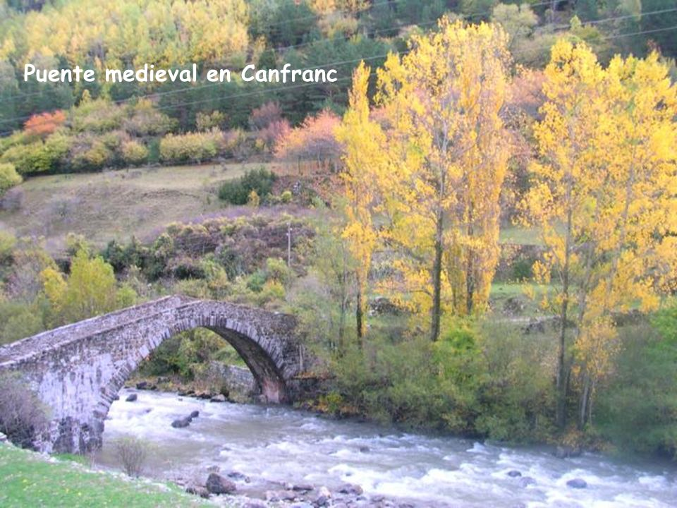 Puente medieval en Canfranc