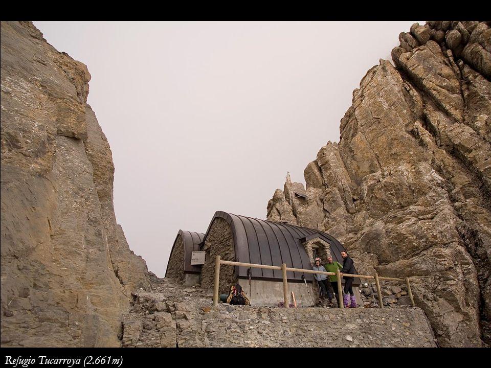 Refugio Tucarroya (2.661m)