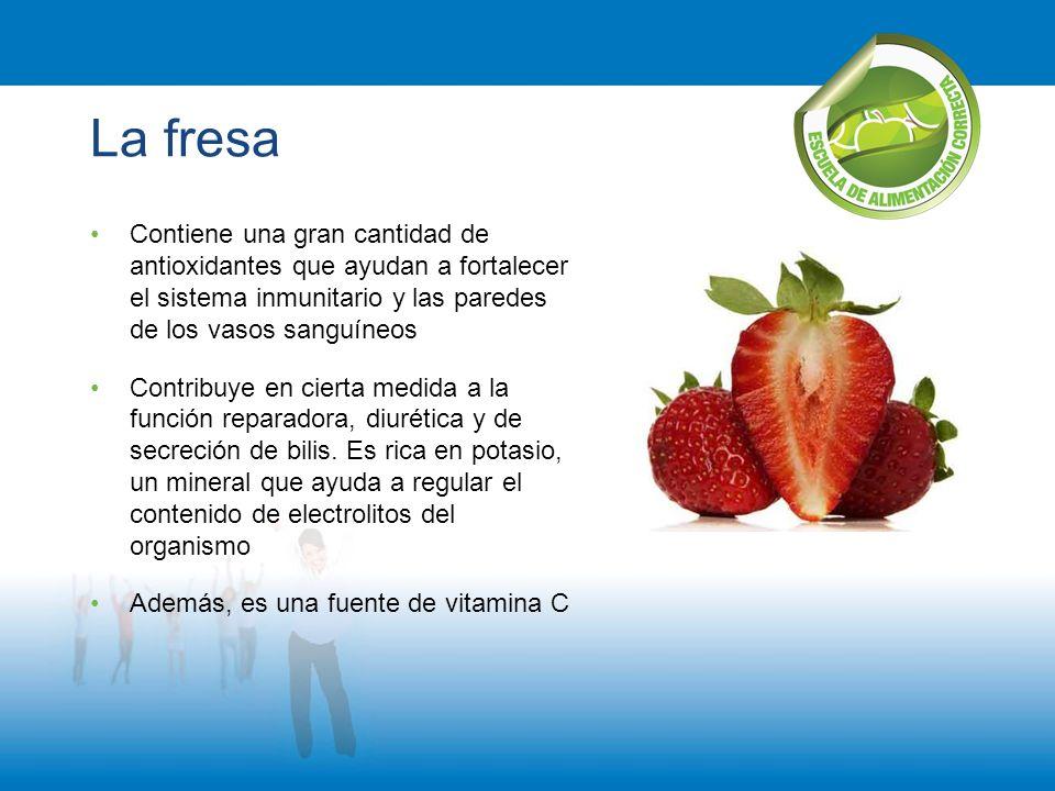 La fresa Contiene una gran cantidad de antioxidantes que ayudan a fortalecer el sistema inmunitario y las paredes de los vasos sanguíneos.