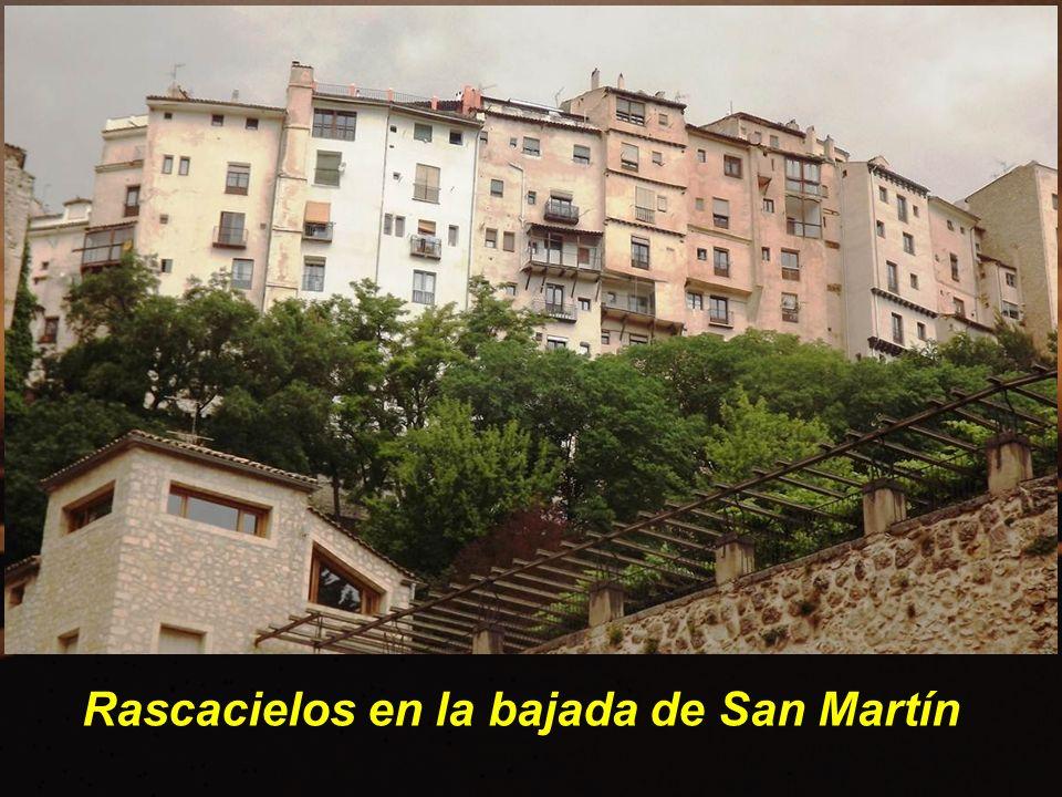 Rascacielos en la bajada de San Martín