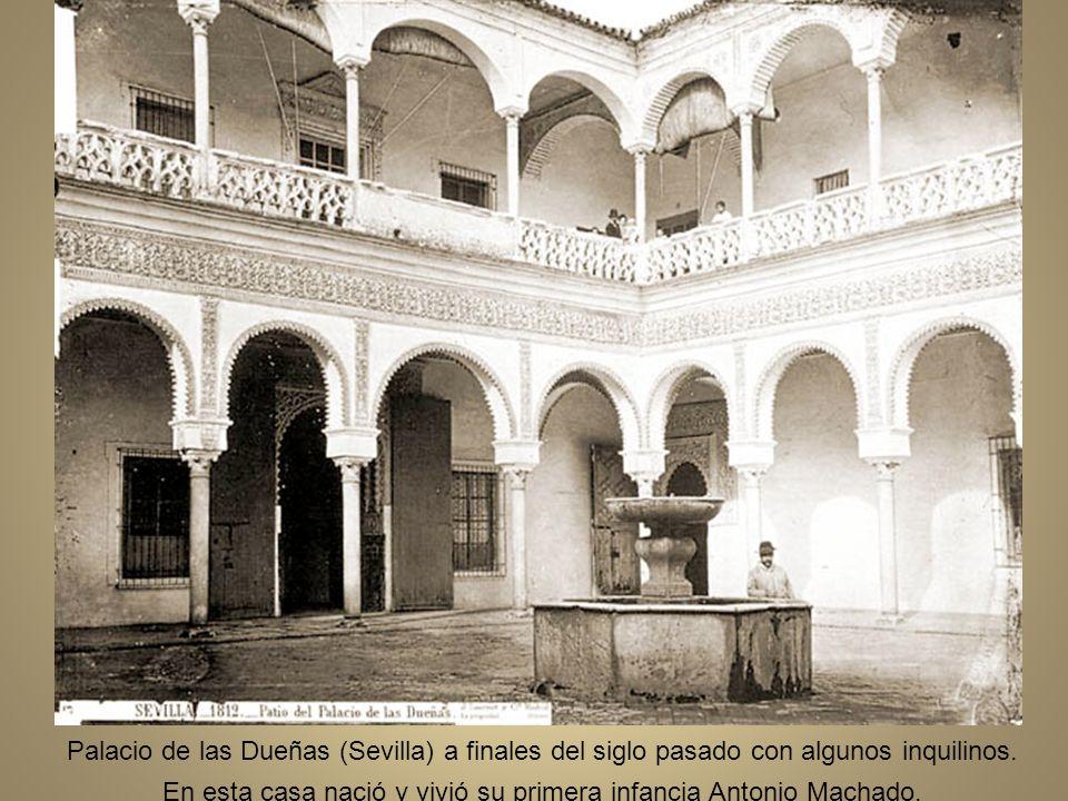 Palacio de las Dueñas (Sevilla) a finales del siglo pasado con algunos inquilinos.