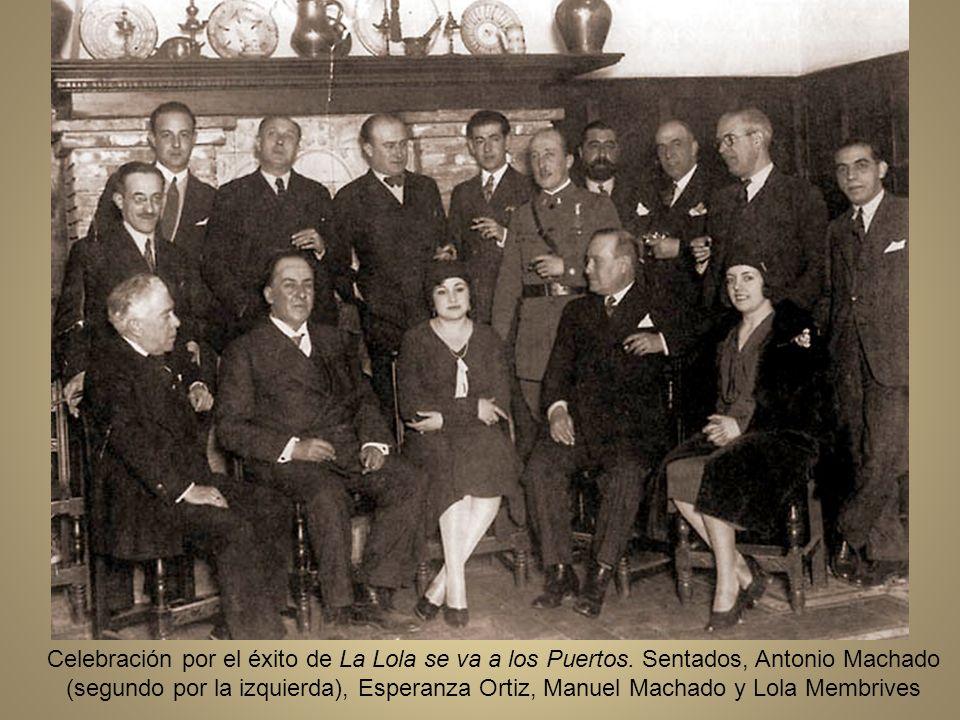 Celebración por el éxito de La Lola se va a los Puertos