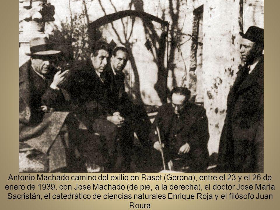 Antonio Machado camino del exilio en Raset (Gerona), entre el 23 y el 26 de enero de 1939, con José Machado (de pie, a la derecha), el doctor José María Sacristán, el catedrático de ciencias naturales Enrique Roja y el filósofo Juan Roura