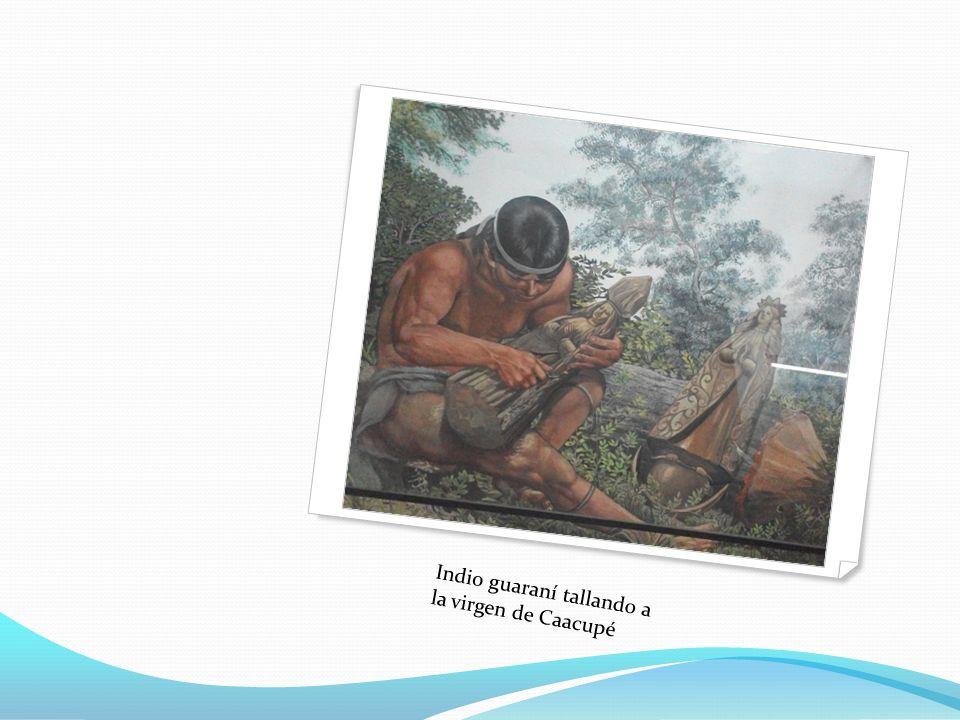 Indio guaraní tallando a la virgen de Caacupé