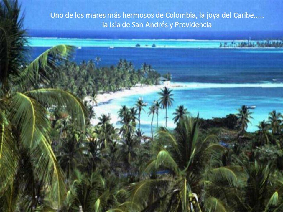 Uno de los mares más hermosos de Colombia, la joya del Caribe.....