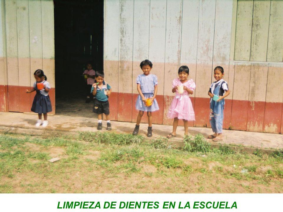 LIMPIEZA DE DIENTES EN LA ESCUELA