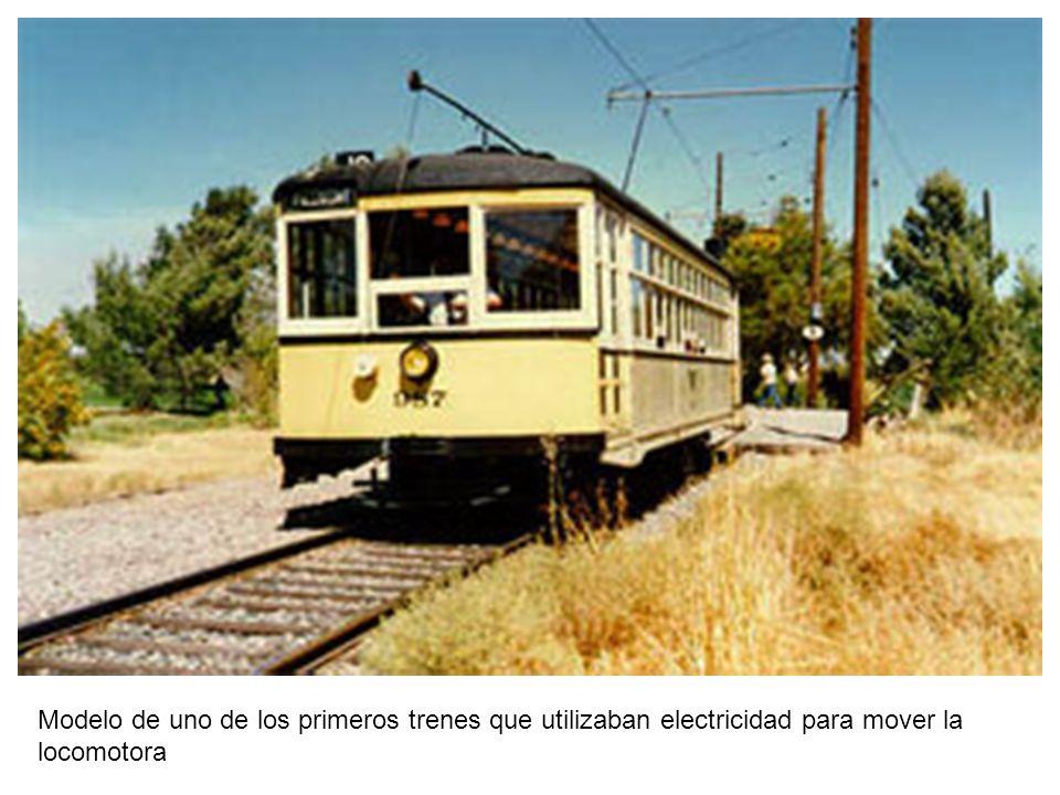 Modelo de uno de los primeros trenes que utilizaban electricidad para mover la locomotora