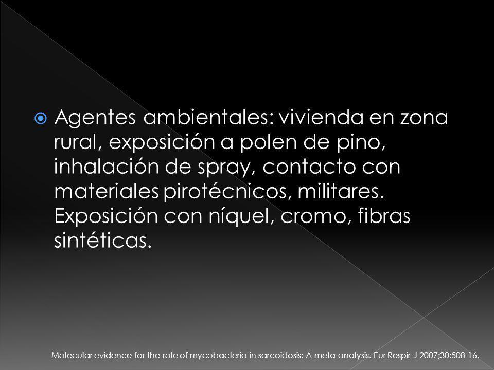 Agentes ambientales: vivienda en zona rural, exposición a polen de pino, inhalación de spray, contacto con materiales pirotécnicos, militares. Exposición con níquel, cromo, fibras sintéticas.